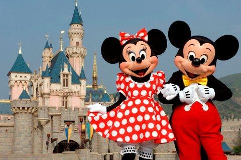 Menneskene inni Minni- og Mikke Mus-kostymene har blitt utsatt for uønsket oppmerksomhet. Her fra Hong Kong Disneyland.