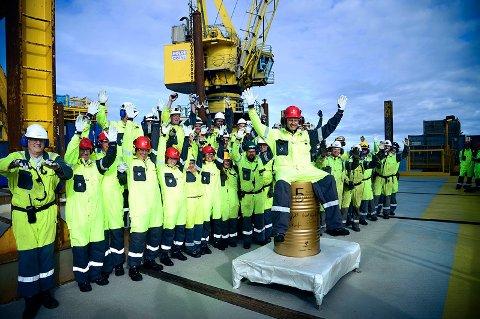 PRISOPPGANGEN FORTSETTER: Gode nyheter for norsk økonomi ettersom oljeprisen fortsetter å øke. Illustrasjonsfoto: Daværende olje- og energiminister Tord Lien besøker Statfjord A-plattformen i Nordsjøen i 2016.