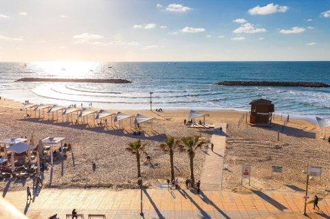 FERIE: Snart kan israelere med vaksinepass dra på ferie til Europa.