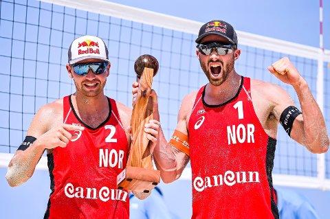 Sandvolleyballparet Anders Mol og Christian Sørum er en ny semifinale i den andre verdensserieturneringen i Mexico. Foto: Alejandro Gutiérrez Mora / FIVB / NTB