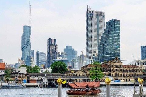 INNLAGT PÅ LUKSUSHOTELL: Virusutbrudd har sprengt sengekapasiteten i Bangkok. Rike kan velge å legge seg inn på ombygde rom på femstjerners luksushotell.