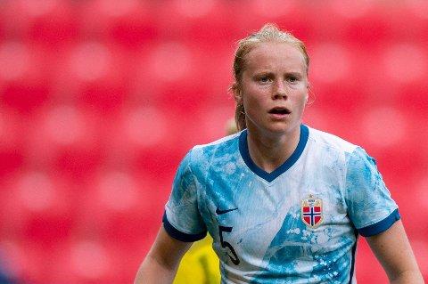 SUPERTALENT: Julie Blakstad herjer for Rosenborg om dagen. Kasper Wikestad har stor tro på 19-åringen.