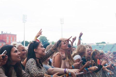AVLYST: Fingingsfestivalen 2021 blir ikke noe av. Her er publikum under samme festival i 2017.