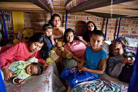 Disse barna i Colombia er blant dem som kan få glede av ølen du drikker på Blindern i kveld.