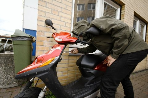 Politiet har mottatt mange anmeldelser på stjålne mopeder den siste tiden.