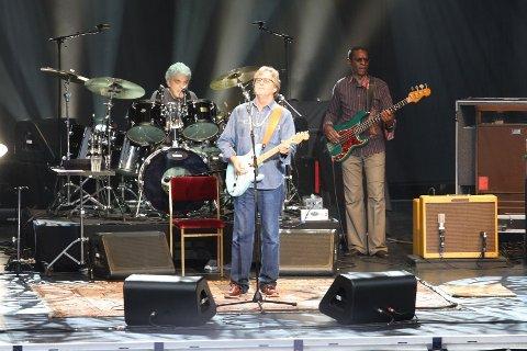 Eric Clapton spilte med hjertet, skriver vår anmelder, som nesten lar seg overbevise helt av legenden på Norwegian Wood.