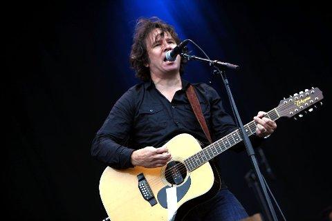 15 år siden sist, samlet Grant-Lee Phillips sammen sitt Grant Lee Buffalo igjen til Øyafestivalen 2011.
