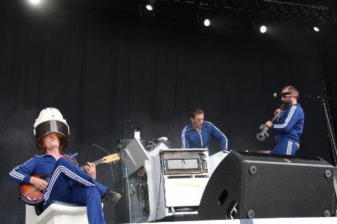 Kultbandet Hurra Torpedo leverer hvitevaremusikk i en salig blanding av psykedelia, rock, coverlåter og tung metal.