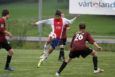 Ballelegant: Mye ansvar hviler nå på Cato Valøy sine skuldre etter at flere spillere har forlatt Kåffa. Mot Nardo viste han tidvis sin eminente teknikk, en egenskap som fort gjør at også han blir plukket opp av en Tippeligaklubb