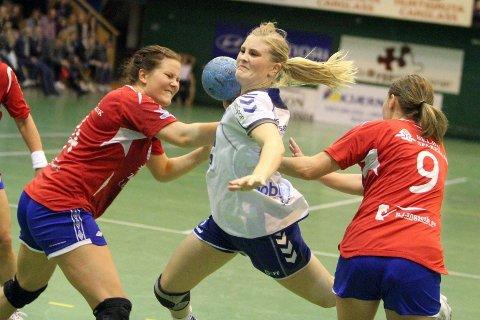 Tok ansvar: Kaptein Lillann Eeg Kjærsnmo gir full gass i gjennombruddene sine. Her scorer hun ett av sine tre mål.