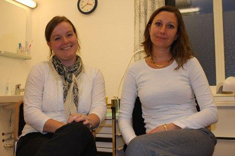 MINDRE TABU: Nordstrandspsykologene Randi Bjøntegaard og Vannessa Barthelemy forteller at det å gå til psykolog har blitt mindre tabubelagt de siste årene.