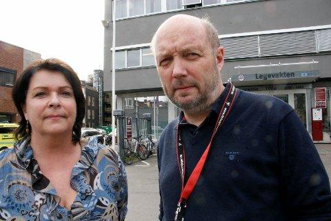 SØRGER FOR HELSEBEREDSKAPEN: Kommunal helsesjef Åse Snåre og direktør for helseetaten Endre Sandvik forteller at alle skal få hjelp til å håndtere sine følelser i forbindelse med 22.juli-rettssaken.