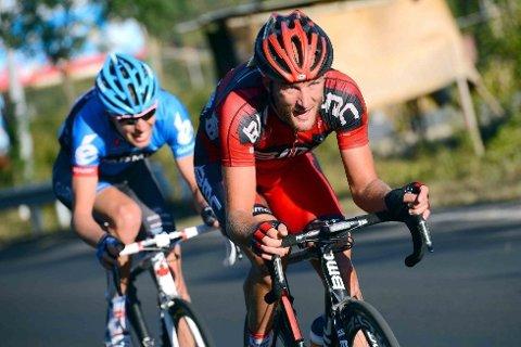 BRUDDET: Stephen Cummings (BMC Racing Team) og Ryder Hesjedal (Garmin-Barracuda) samarbeidet godt mot slutten av etappen mellom Chang Ping og Ping Gu (182,5 kilometer). Til slutt skulle de gjøre opp om etappeseieren.