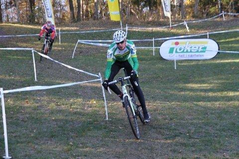 NY SEIER: Oskar Svendsen (Lillehammer CK) har hatt en flott sesong. Lørdag vant det uoffisielle norgesmesterskapet i sykkelcross for juniorer. Neste sesong sykler Lillehammer-gutten for Joker Merida.