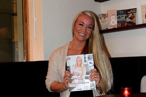 BLOGGER OG FORFATTER: Kristine Weber har utgitt en ny bok som inneholder oppskrifter, ukemenyer og treningsprogram.