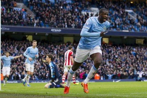 REDDET CITY: Yaya Toure sikret tre poeng for Manchester City med sitt mål 20 minutter før slutt.