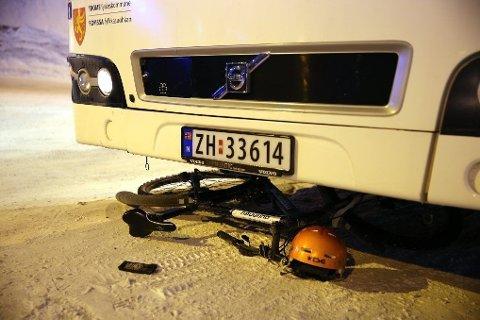 En 16 år gammel syklist i Tromsø ble påkjørt av en buss i januar i år. En bussjåfør i 60-årene er tiltalt for uaktsom kjøring.