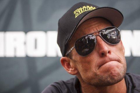 NAVNGIR: lance Armstrong oppgir navnene på flere av de som hjalp ham jukse.