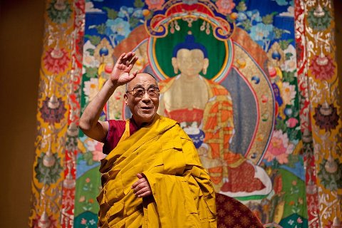 Dalai Lama er invitert til Oslo av Det Norske Nobelinstitutt, Karma Tashi Ling buddhistsamfunn og Den norske Tibetkomité.