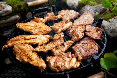 GRILLING: Rene fileter av kylling og kalkun er både sunt og smakfull grillmat.