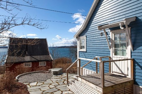 PÅ MARKEDET: Hytte nummer 82 på Bleikøya er 28 kvadratmeter og ligger ute til en prisantydning til 3,5 millioner kroner.