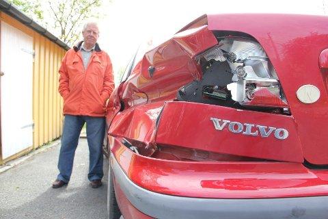 KONDEMNERT: Øystein Havgar er glad for at trikken traff den bakre delen av bilen, ellers kunne det gått fryktelig galt.