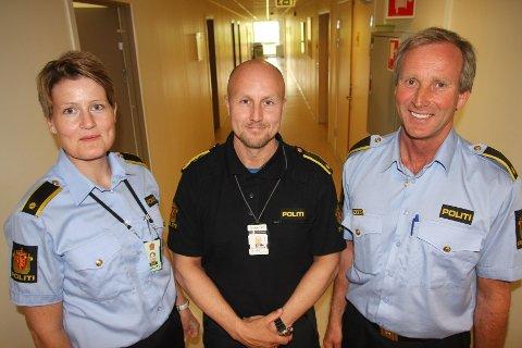 Førstebetjentene Lone Strand, Tom André Christiansen og Roy Cato Einarsen har ansvaret for hver sine bydeler i dalen. De skal koordinere Trygghetsprogrammet i hver sin bydel.