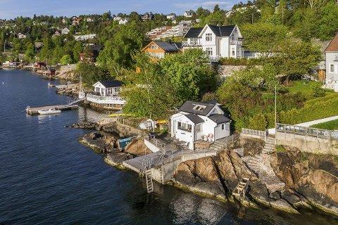 MOSSEVEIEN 269: Ifølge megler og selger er dette den eneste fritidsboligen som ligger ved Mosseveien mellom Fiskevollen og Oslo sentrum.