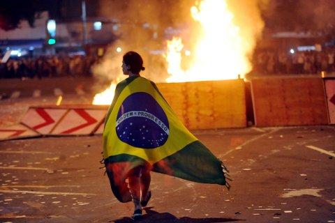 PROTESTER: Det har vært en rekke demonstrasjoner i Brasil i opptakten til VM.