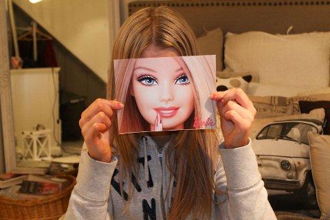 Stadig flere unge jenter kjenner på skjønnhetspresset, et press om en såkalt perfekt idealkropp.
