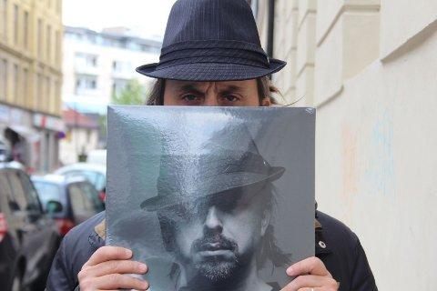 Don Martins siste plate er hans andre soloutgivelse på morsmålet.