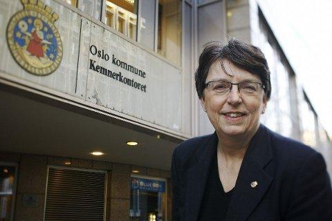 TAR TILBAKE: Kemner Astri Marija Rosenqvist i Oslo kommune er en av flere statlige aktører som forsyner seg av skattepengene til folk med gjeld.