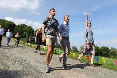 Ap-leder Jonas Gahr Støre og AUF-leder Eskil Pedersen på AUF sin sommerleir på Gulsrud lørdag.