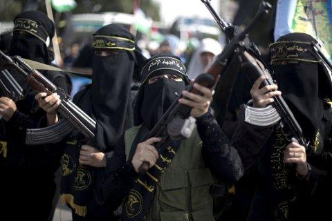 ILLUSTRASJONSBILDE: Kvinner som vil gifte seg med jihadister kan melde seg hos IS' ekteskapsbyrå i Syria. Kvinnene på bildet markerer sin støtte til islamsk jihad i Palestina 2013.