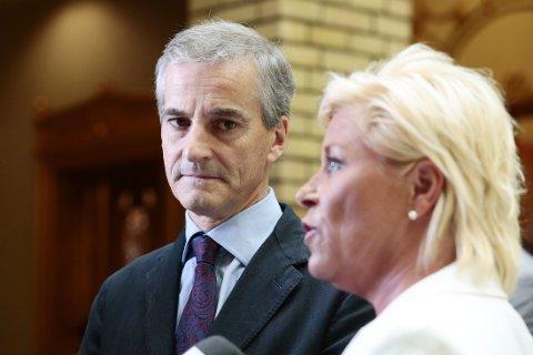 KRITISK: Jonas Gahr Støre (Ap) er kritisk til Frps blandede holdning til konflikten i Gaza, og ber finansminister Siv Jensen (Frp) må få orden i eget parti