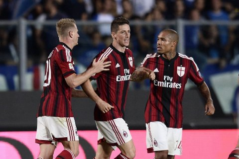 SCORET: AC Milans Fernando Torres.