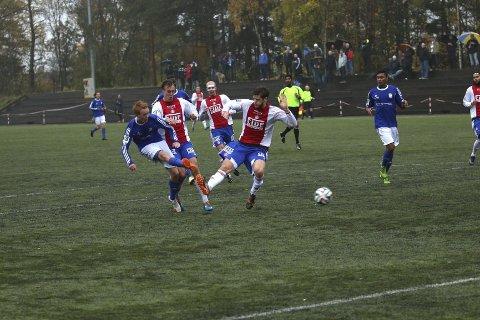 BANKER INN UTLIGNINGEN: Stian Pettersen sikret fortjent poeng da han her utligner til 1-1 på KFUM arena lørdag.Alle foto: Andreas Lindbæk