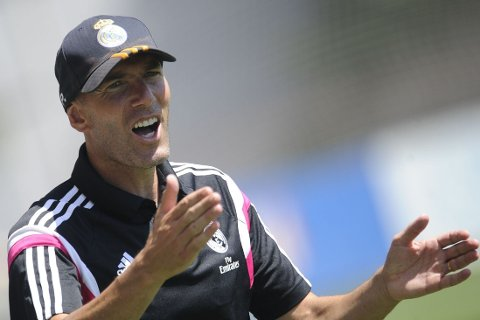 UTESTENGT: Zinedine Zidane har brutt reglene.