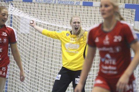 SUPERKEEPER: Eli Marie Raasok sto glimrende mellom stengene for Oppsal, og hadde 21 redninger i kvartfinalen mot Levanger.