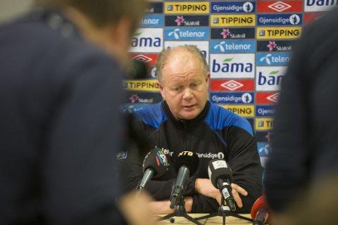 USIKKER: Per-Mathias Høgmo er ikke sikker på hva det norske landslaget kan forvente seg av søndagens motstandere i EM-kvalifiseringen.