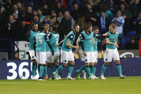 SCORET: Joshua King (til venstre) feirer mål for Blackburn mot Bolton.