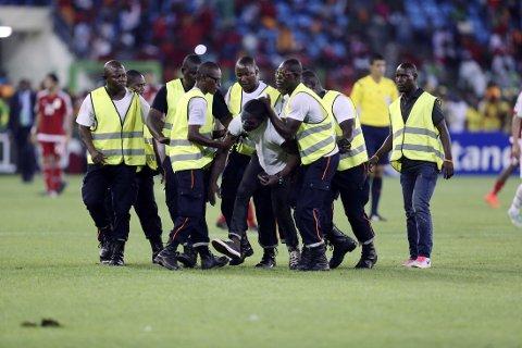 BRÅK: Det ble turbulent under semifinalen i afrikamesterskapet.