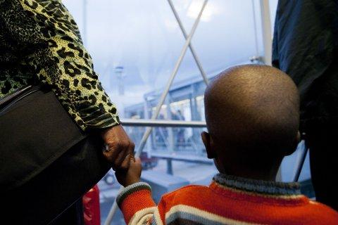 MANGE PÅ VENT: Ferske tall fra Integrerings- og mangfoldsdirektoratet (IMDI) viser at det nå sitter 5300 flyktninger rundt om på mottakene, som venter på at en kommune skal svare ja og ønske dem velkommen. Illustrasjonsfoto: Tore Meek/NTB scanpix