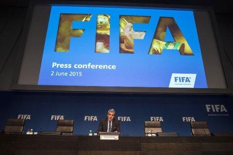FIFAs kommunikasjonsdirektør Walter De Gregorio under tirsdagens pressekonferanse.