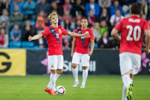 PINLIG POENGTAP: Selv ikke Martin Ødegaard kunne redde tre poeng for Norge fredag.