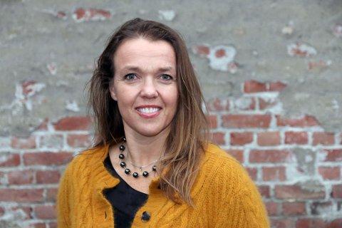 FØRST I LANDET: Bodil Jenssen Houg ble landets første mobbeombud da Buskerud fylke opprettet stillingen i 2012. Hun mener det trengs sanksjonsmuligheter overfor skoleeiere og kommuner i kampen mot mobbing.