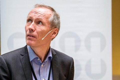 ØKNING: UDI-direktør Frode Forfang presenterte fredag asyltallene for august.