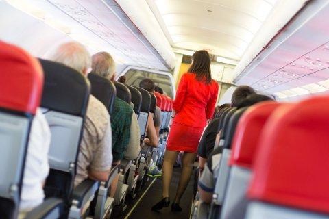 PÅ FLY: Mange forskjellige passasjerer kan bære med seg mange ugunstige bakterier.