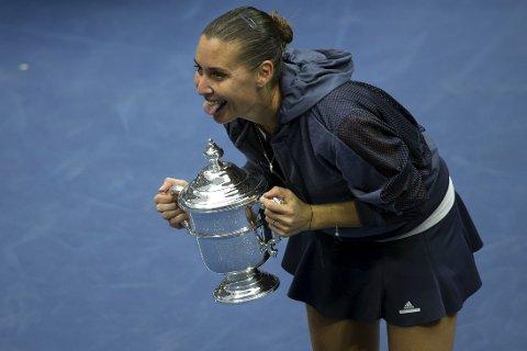 LA OPP: Flavia Pennetta vant US Open, og feiret på skikkelig Miley Cyrus-vis - med tunga ut av munnen. Så la hun opp på direkten.