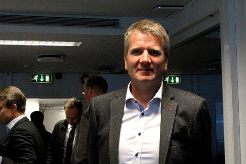 Tormod Boldvik, styreleder i Norges Eiendomsmeglerforbund og eiendomsmegler i Krogsveen, mener eiendomsmeglerkontorene må gå holde oppsyn med tallene sine for å avdekke lokkepriser hos enkeltmeglere.